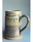 Chopes et mugs en céramique artisanale et pièces uniques
